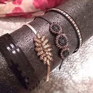 Accessories - Black and hold headbands